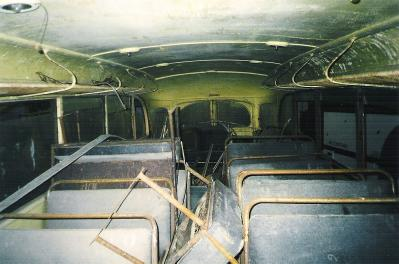 L'intérieur du Lancia était complet mais très défraichit.
