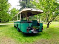 La mythique plateforme arriere du bus parisien