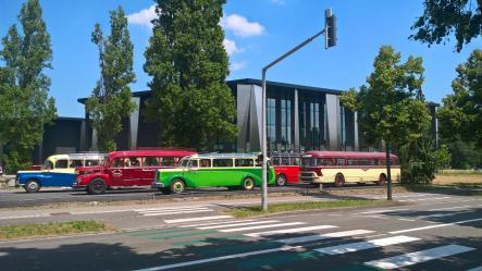 Nos autocars anciens au palais de la musique et des congres de starsbourg