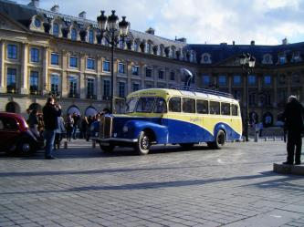 notre-saurer-a-paris-place-vendome.jpg