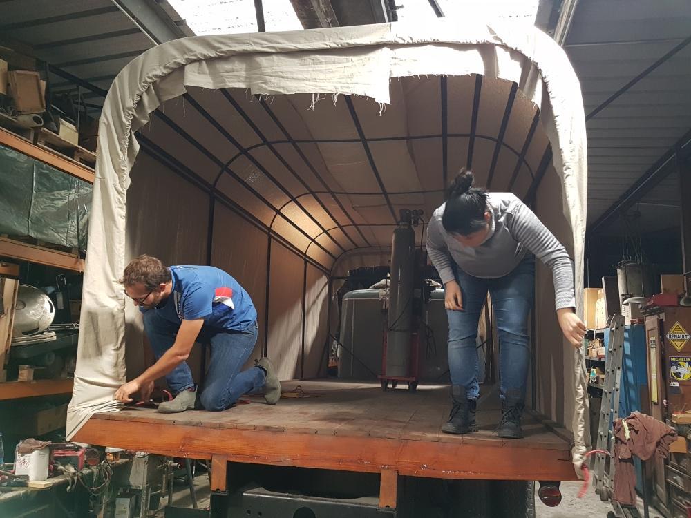 Préparation d'un camion de 1927