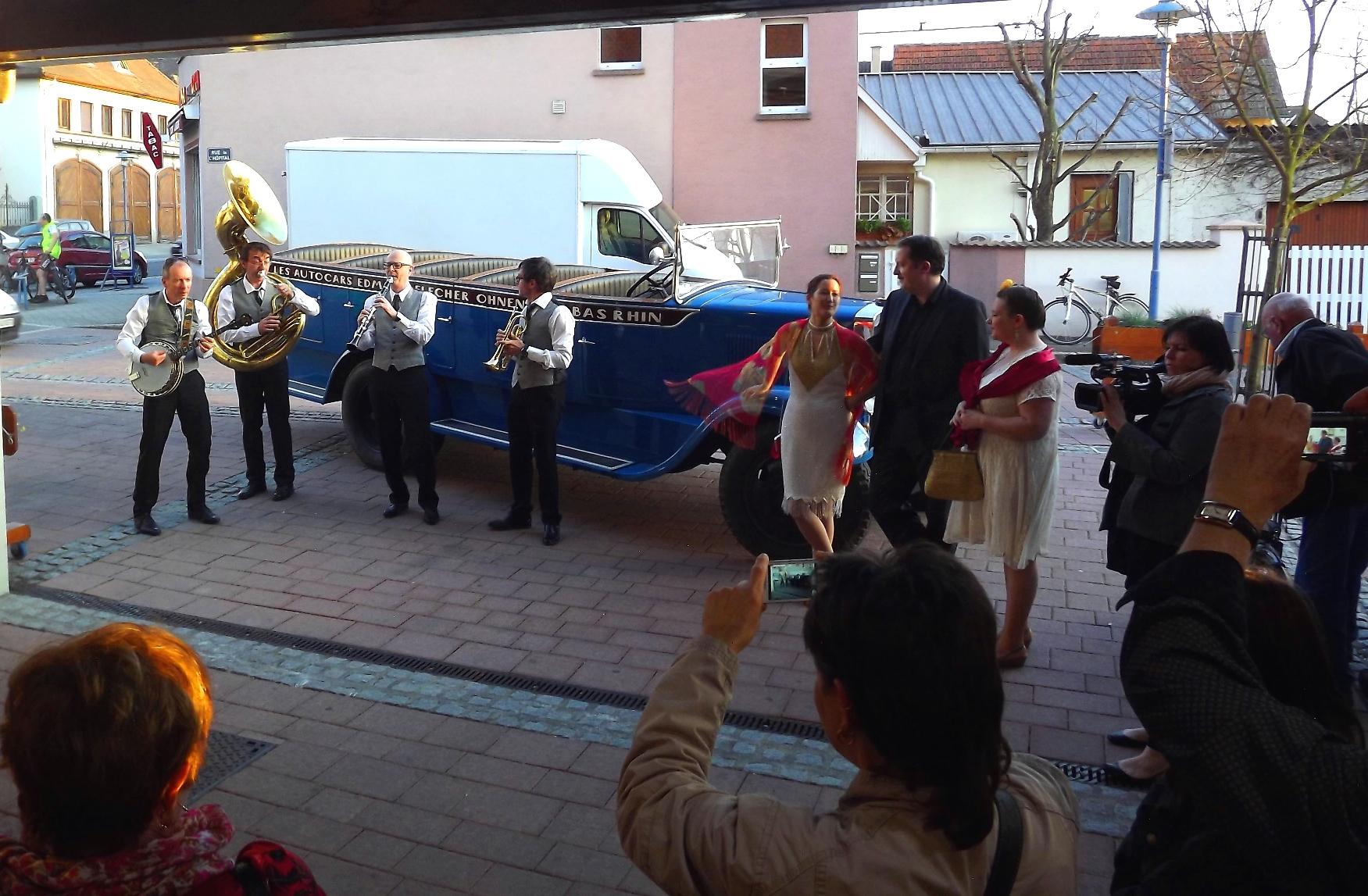 Petit concert des Blue Heaven Stompers au marché couvert de Marckolsheim en Mars 2014.